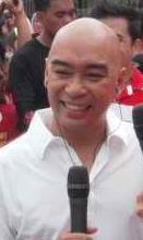 Wally Bayola