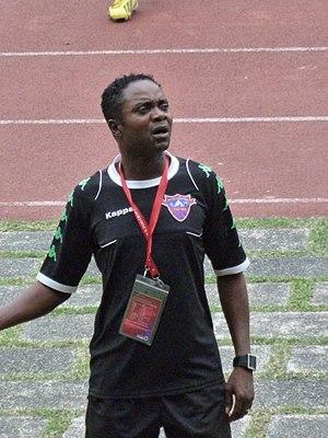 Zola Kiniambi