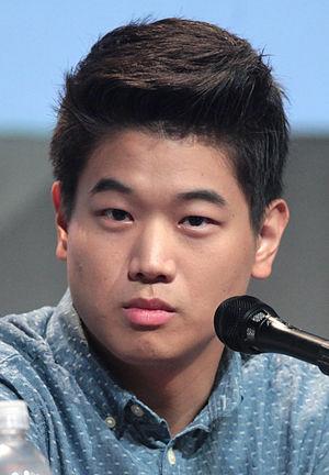 Ki Hong Lee